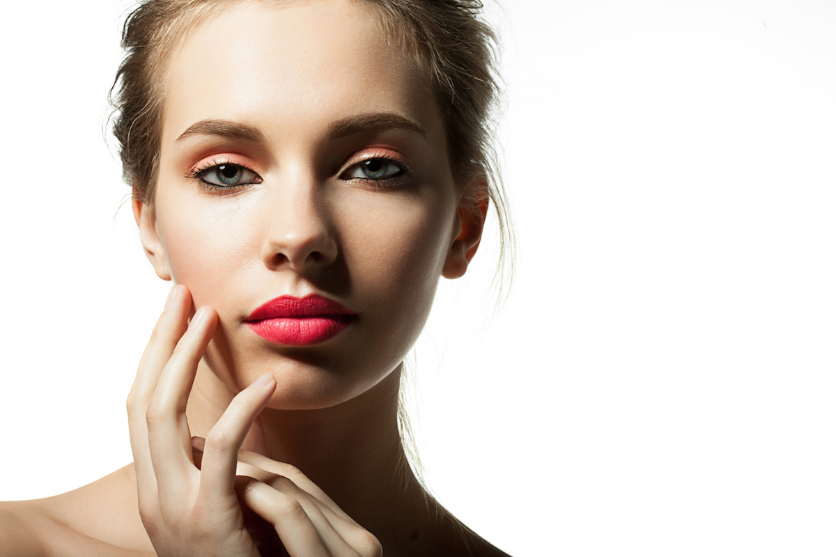 facial laser treatment at cosmetic clinic for scar removal